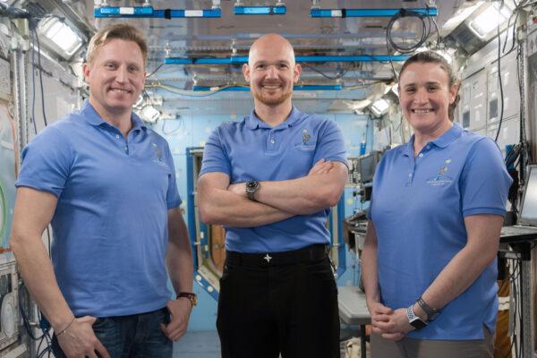 Posádka Sojuzu MS-09. Zleva: Sergej Prokopjev, Alexander Gerst, Serena Auñón-Chancellor
