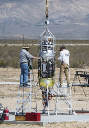 Raketa Xodiac připravovaná pro start Honeybee Robotics