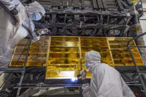 Instalace ochranných skel před kontaminací chladičů