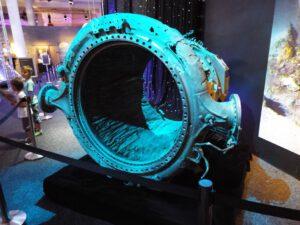 Vylovená část motoru F1 rakety Saturn V