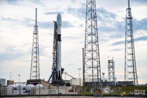 Brady Kenniston vyfotil první Falcon 9 Block 5 na rampě 40.
