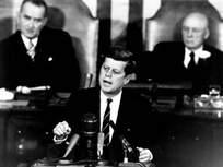 Prezident Kennedy před Kongresem 25. 5. 1961