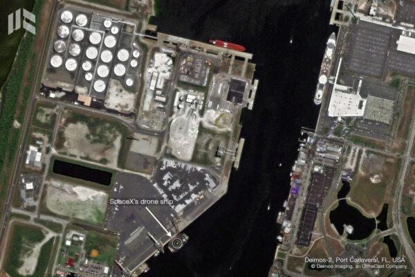 Plošina OCISLY již vyplula do Atlantiku, ale ještě předtím ji vyfotila družice Deimos.