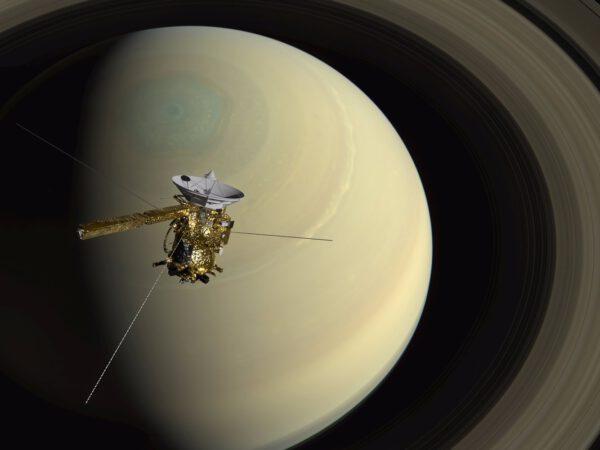 Ilustrace sondy Cassini u Saturnu