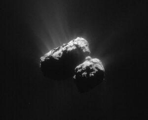 Kometa 67P/Čurjumov-Gerasimenko na snímku sondy Rosetta z 15. 7. 2015. Foto: ESA