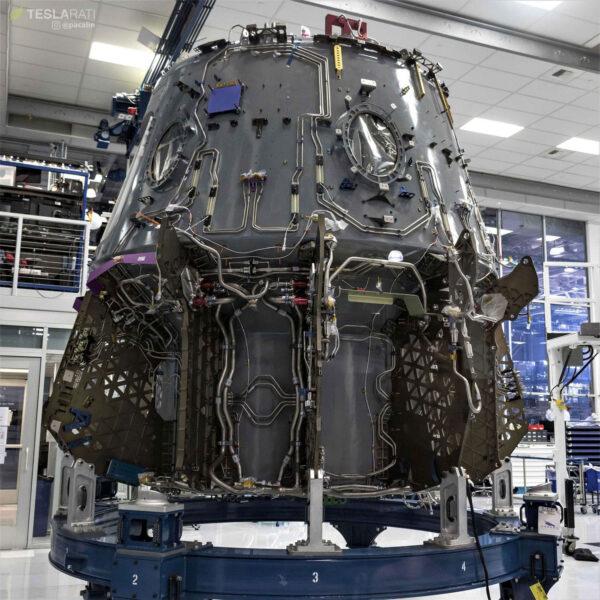 Návratová kabina lodi Crew Dragon pro pilotovanou misi DM-2
