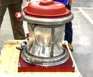 První exemplář nově vyrobené spalovací komory MCC.