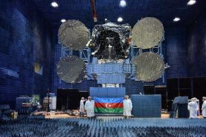 Azerspace 2/Intelsat 38 během pozemních zkoušek.