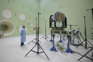 Teleskop Cheops v komoře LEAF