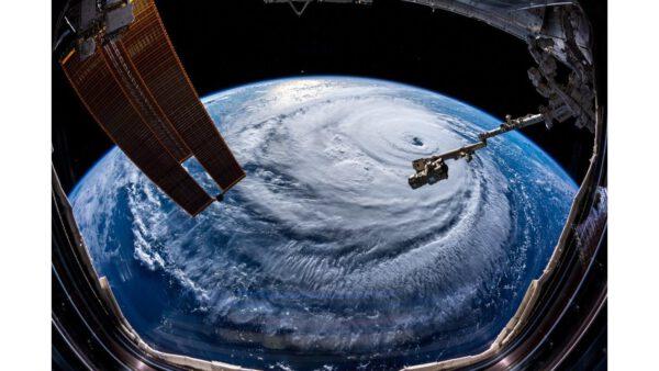 Pohled na hurikán Florence z ISS