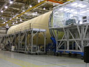 Kvalifikační vodíková nádrž v budově 103, 13. srpna