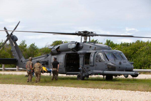 Do zkoušky byly zapojeny i tři vrtulníky.