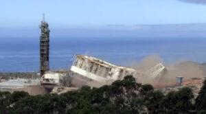 Demolice věže na rampě SLC-4W