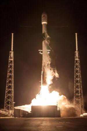 Stupeň B1046 startuje na svou druhou misi s indonéskou telekomunikační družicí Merah Putih.