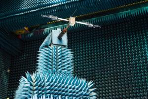 Zmenšená anténa přístroje RIME měřila jen 80 centimetrů, což umožnilo pracovat s vyšší frekvencí.