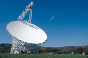 Radioteleskop v Green Bank Observatory.