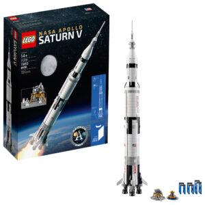 Saturn V je stavebnice krásná, neuvěřitelně přesná a skládající se ze symbolických 1969 dílků.