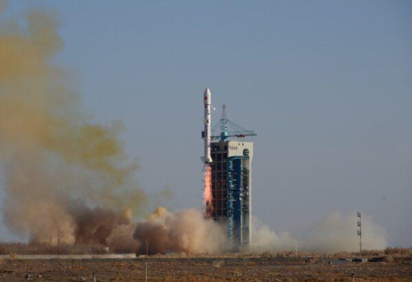 Poslední start letošního roku - CZ-2D