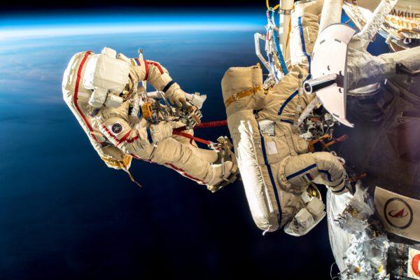 Práce na Sojuzu MS-09