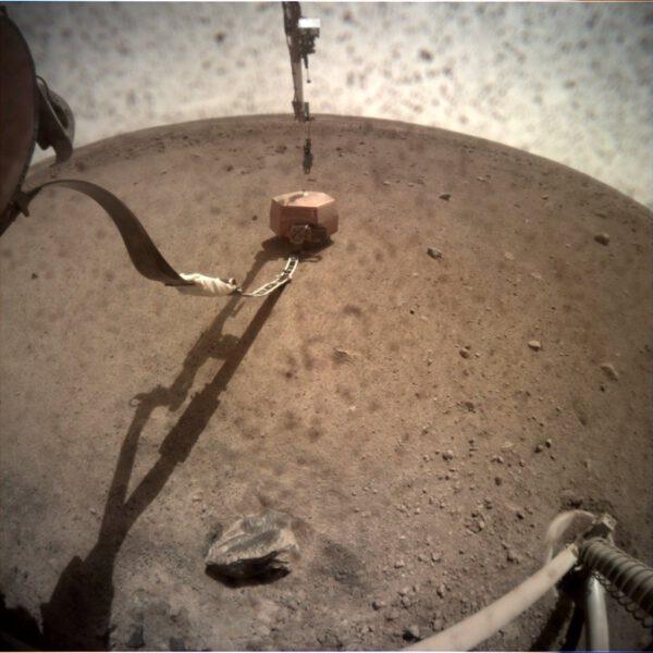 Seismometr na Marsu