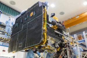 Tepelný štít sondy Solar Orbiter.