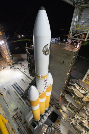 Delta IV Heavy před startem NROL-71