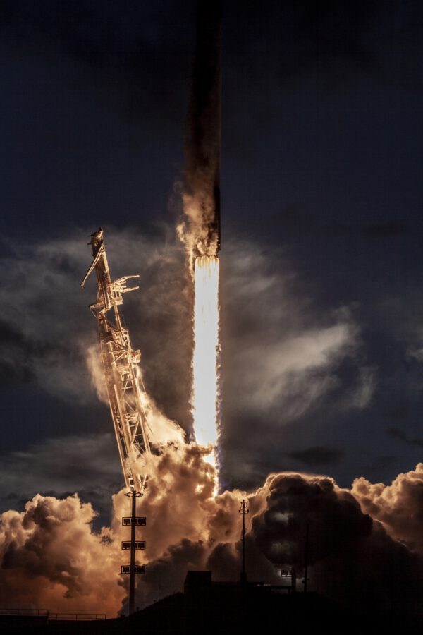 Falcon 9 vynáší poslední desítku družic Iridium NEXT