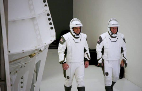 Posádka mise Crew Dragon DM-2