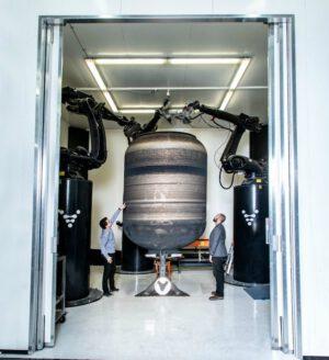 Tiskárna Stargate při výrobě testovací nádrže.