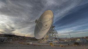 34metrová anténa systému Deep Space Network z kalifornského Goldstone.