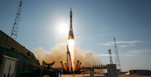 Start Sojuz MS-04 v roce 2012.