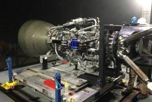 První finalizovaný motor Raptor na texaské základně McGregor.
