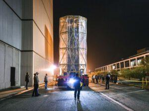 Sterilní přepravní kontejner pro konstrukci JWST