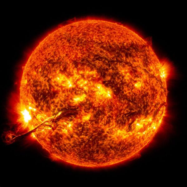 Slunce při výronu koronální hmoty v roce 2012