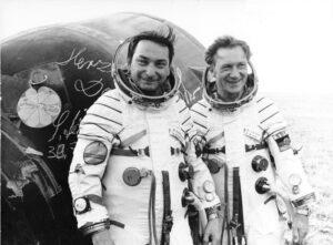 Bykovskij a Jähn po návratu na Zemi