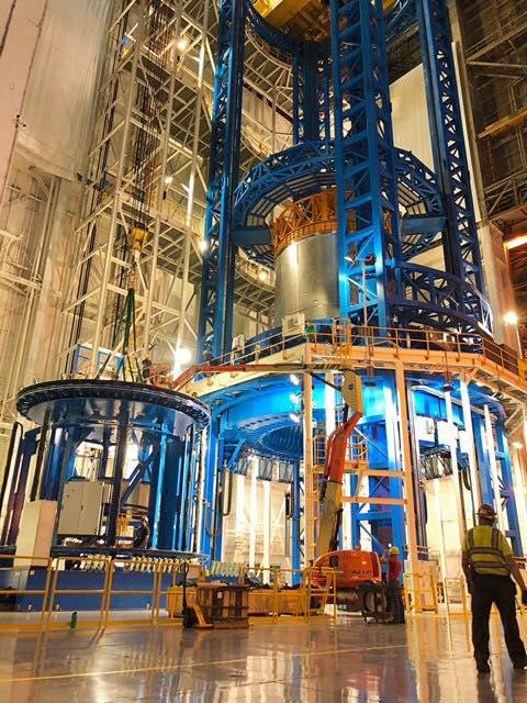 Nádrž na kapalný kyslík pro centrální stupeň CS-2, únor