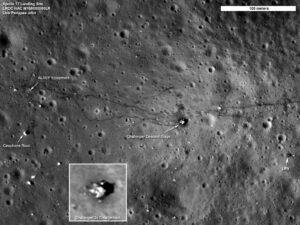 Přistávací oblast Apolla 17 vyfocená sondou LRO.
