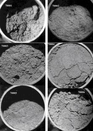 Fotografie jádrových vrtů z mise Apollo 17.