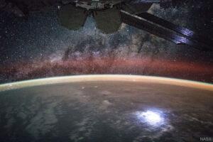 Airglow vyfocený z ISS.