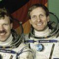 Ewald a Flade - kosmonauti mise Mir-92