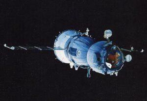 Sojuz TM-16 se stykovacím zařízením APAS-89