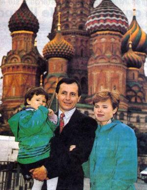 Tognini se svou ruskou manželkou Jelenou a dcerou Taťánou v roce 1992