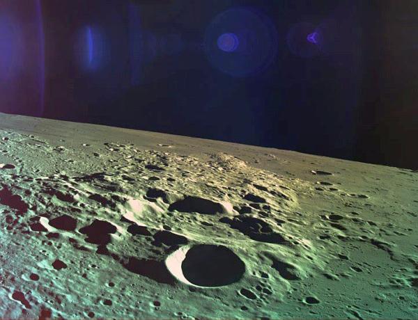 Měsíc při sestupu landeru Beresheet