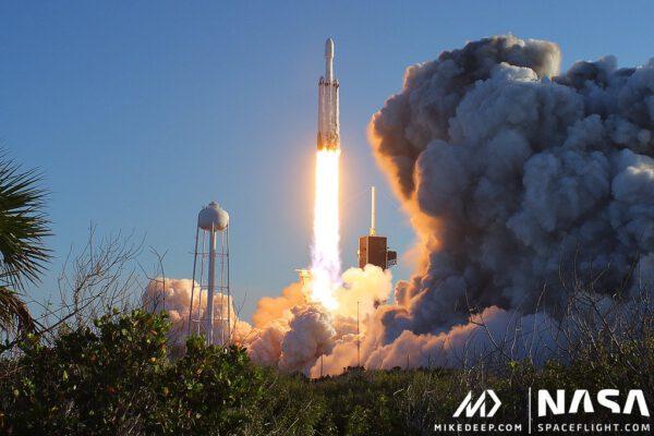 Falcon Heavy - Arabsat 6A - Michael Deep