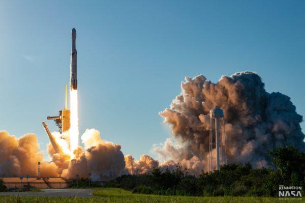 Falcon Heavy - Arabsat 6A - Brady Kenniston