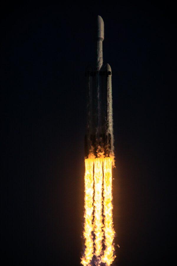 Falcon Heavy - Arabsat 6A - Trevor Mahlmann