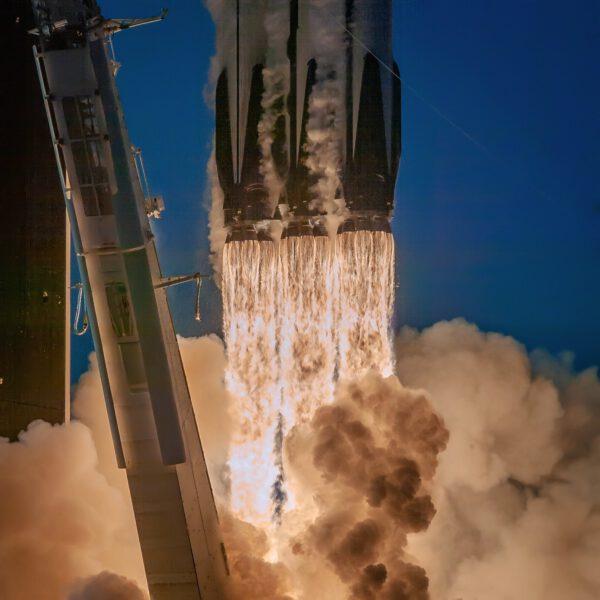 Falcon Heavy - Arabsat 6A - Erik Kuna