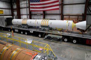 Pro nové pomocné motory vznikl unikátní transportér, který umožní přepravu GEM-63 (XL) do místa startu a prakticky ihned je možné je připojit na kosmickou raketu.