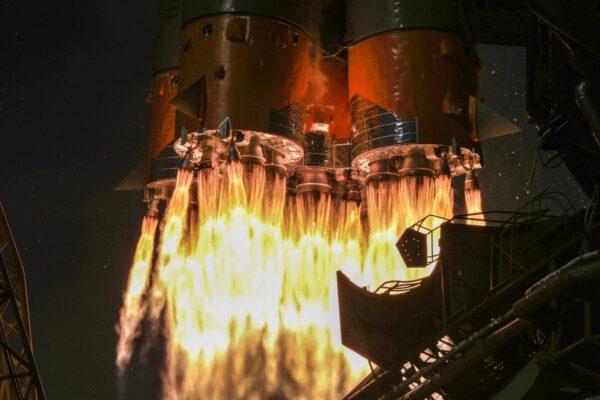 Start Sojuzu 2-1A s lodi Progress MS-11