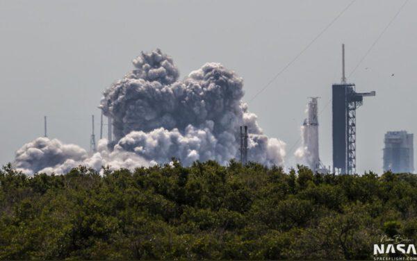 Statický zážeh Falconu Heavy